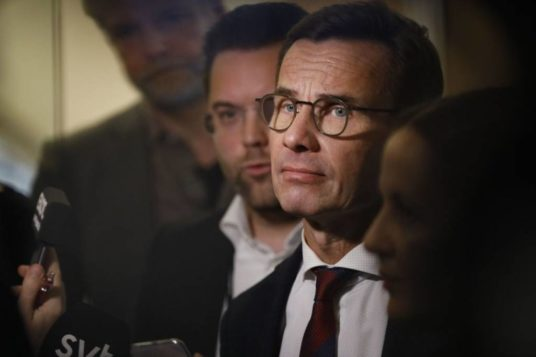 incudine martello governo svezia difficoltà rassegna stampa svedese assosvezia