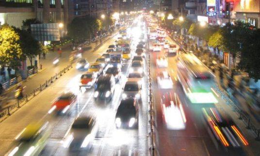 senza mani volante assistenza guida auto zenuity rassegna stampa svedese assosvezia