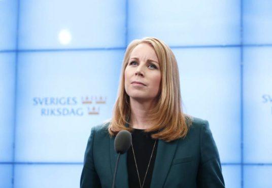 esonero contributivo assunzione giovani lavoro rassegna stampa svedese